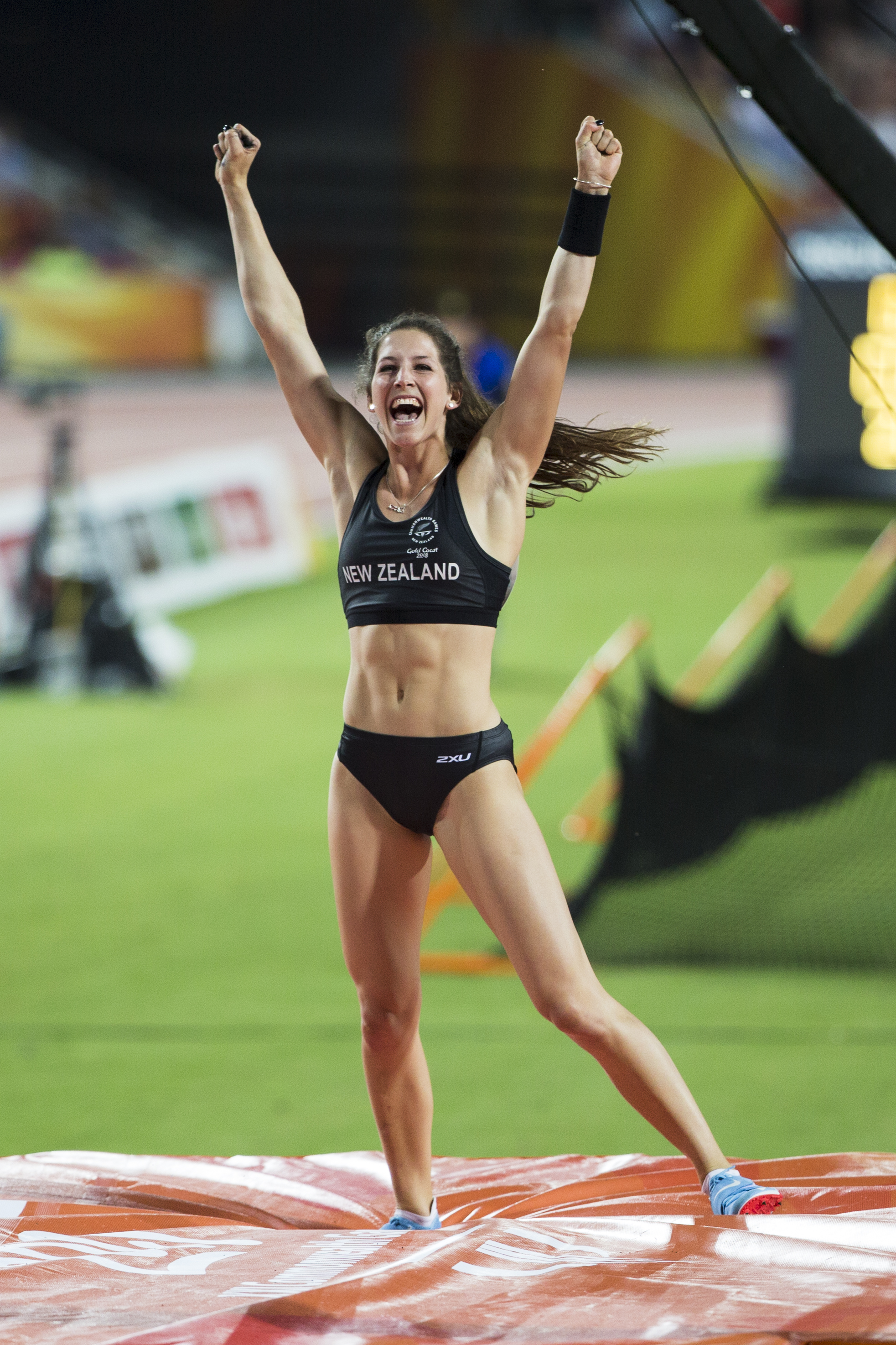 Eliza McCartney wins Silver in the Pole Vault at the 2018 Commonwealth Games. Gold Coast, Australia. Copyright photo: Alisha Lovrich / www.photosport.nz