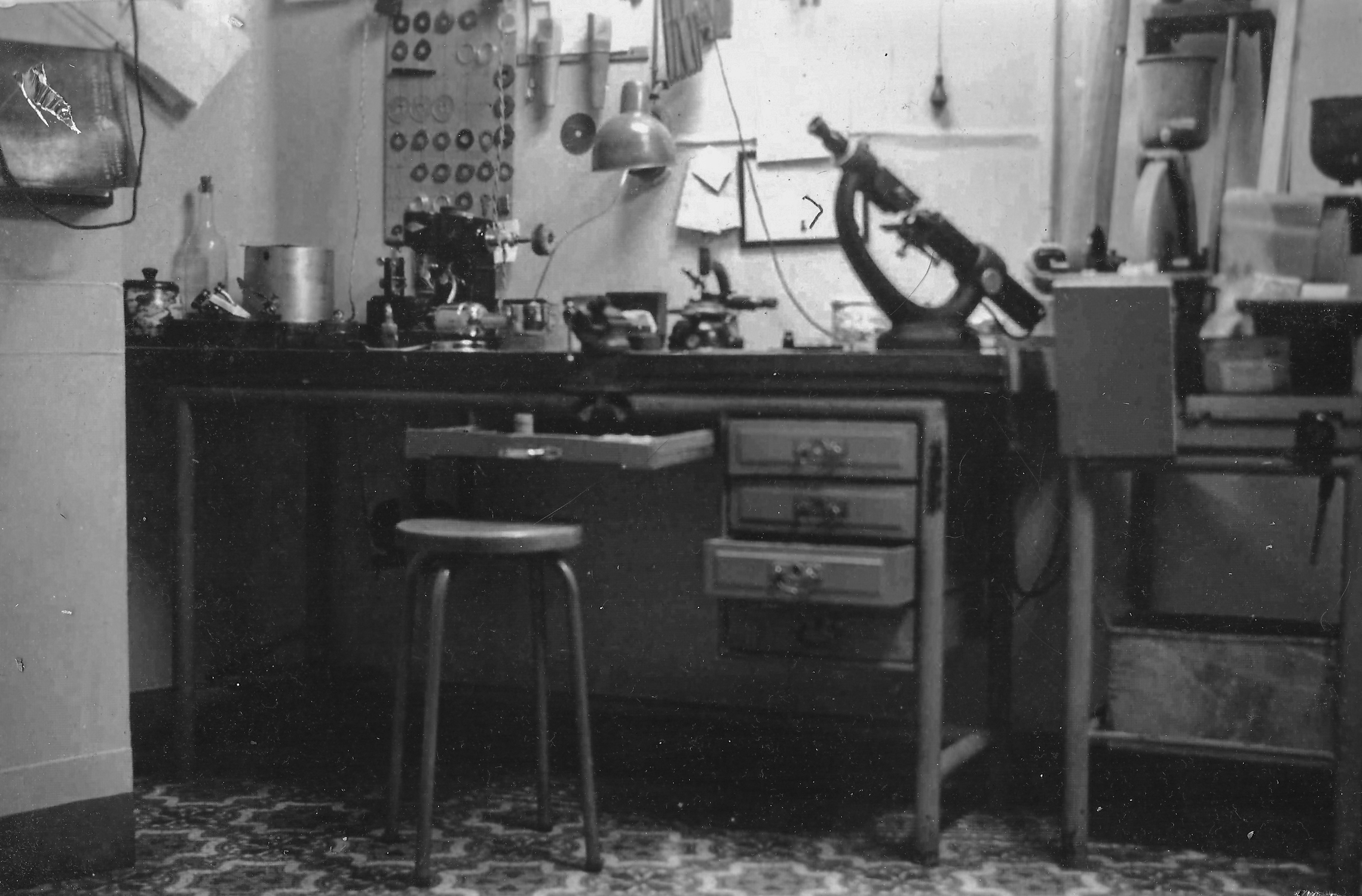 Norbert's workshop, 15 Grand-Rue (Arlon) in the early 1940s. Some of the files and pliers seen on the worktop are still in use today.