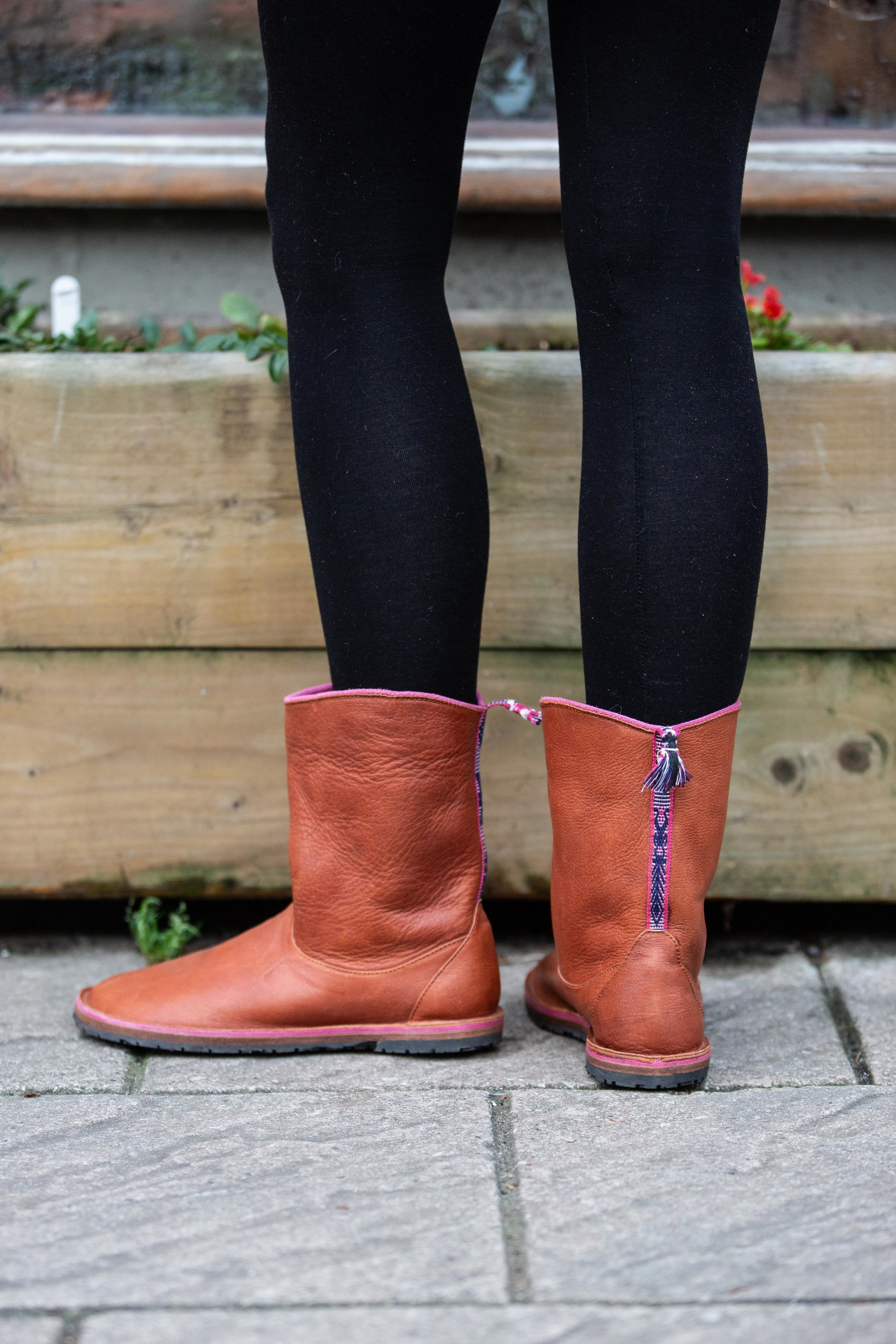 Short slip on boots size 7 — Ruth