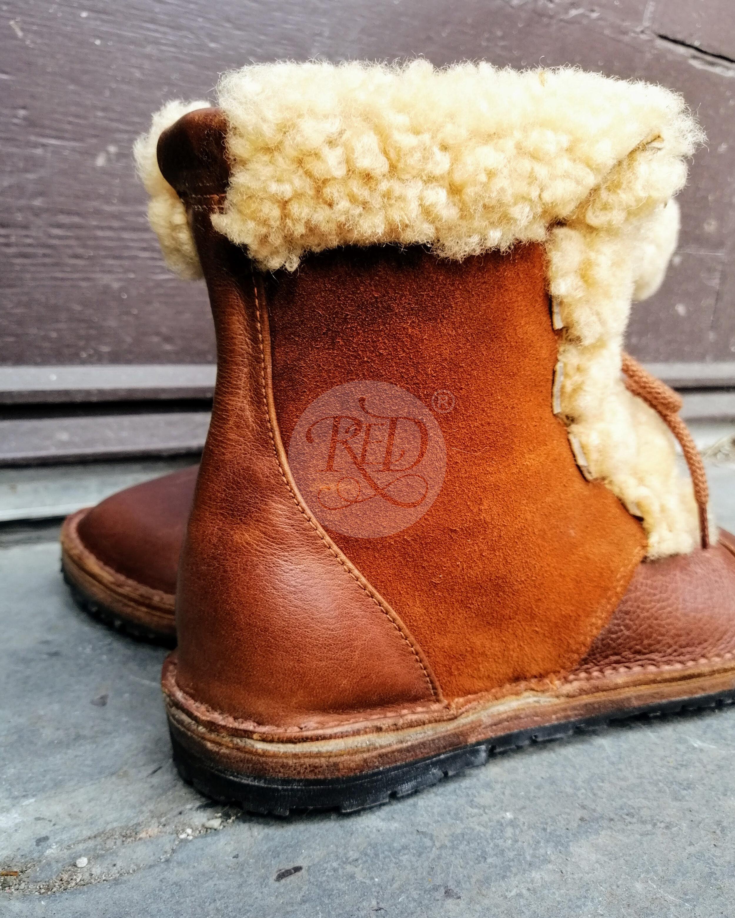 Super fluffy Sheepskin boots, Treacle