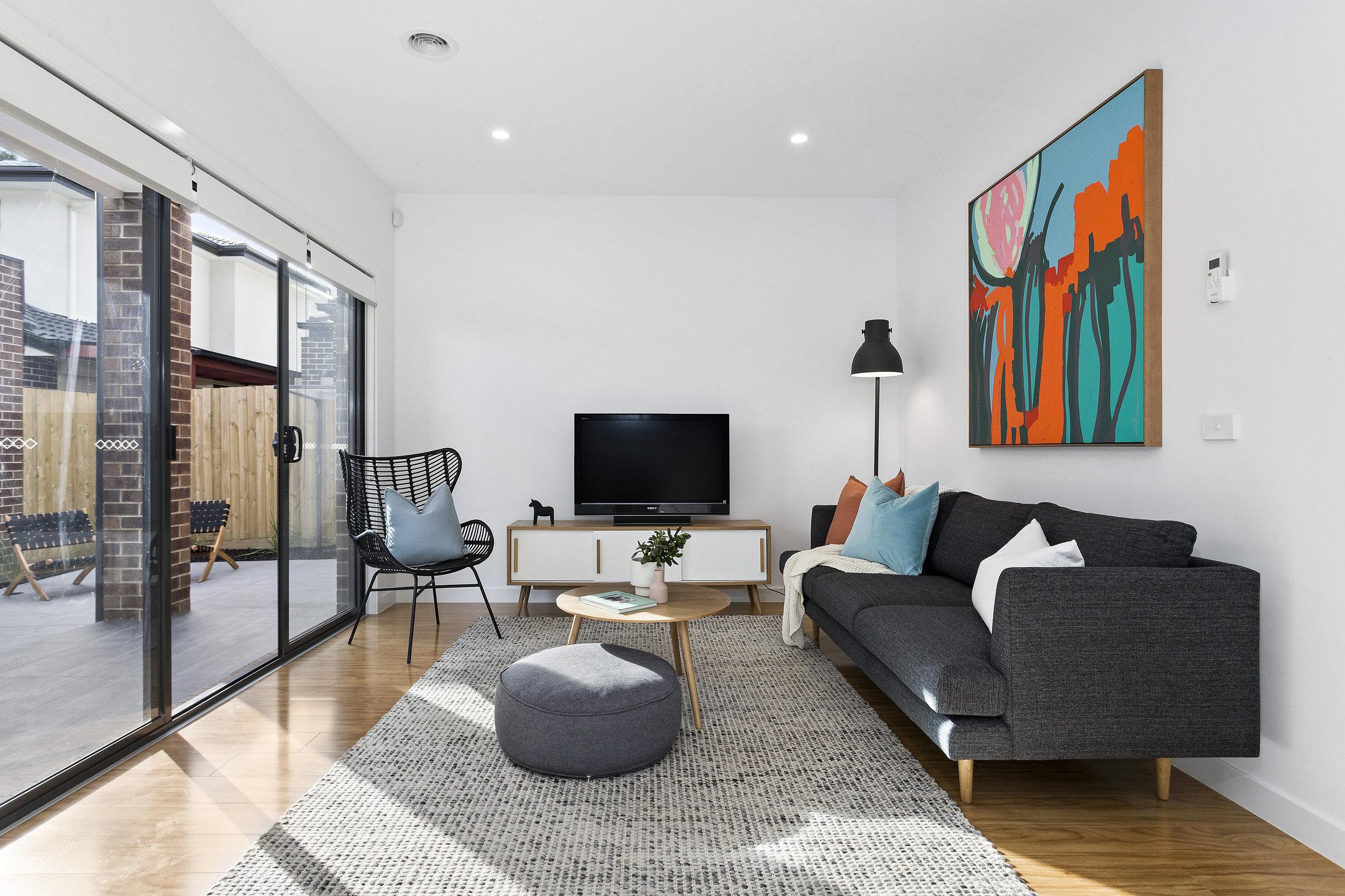 27-Living Room.jpg