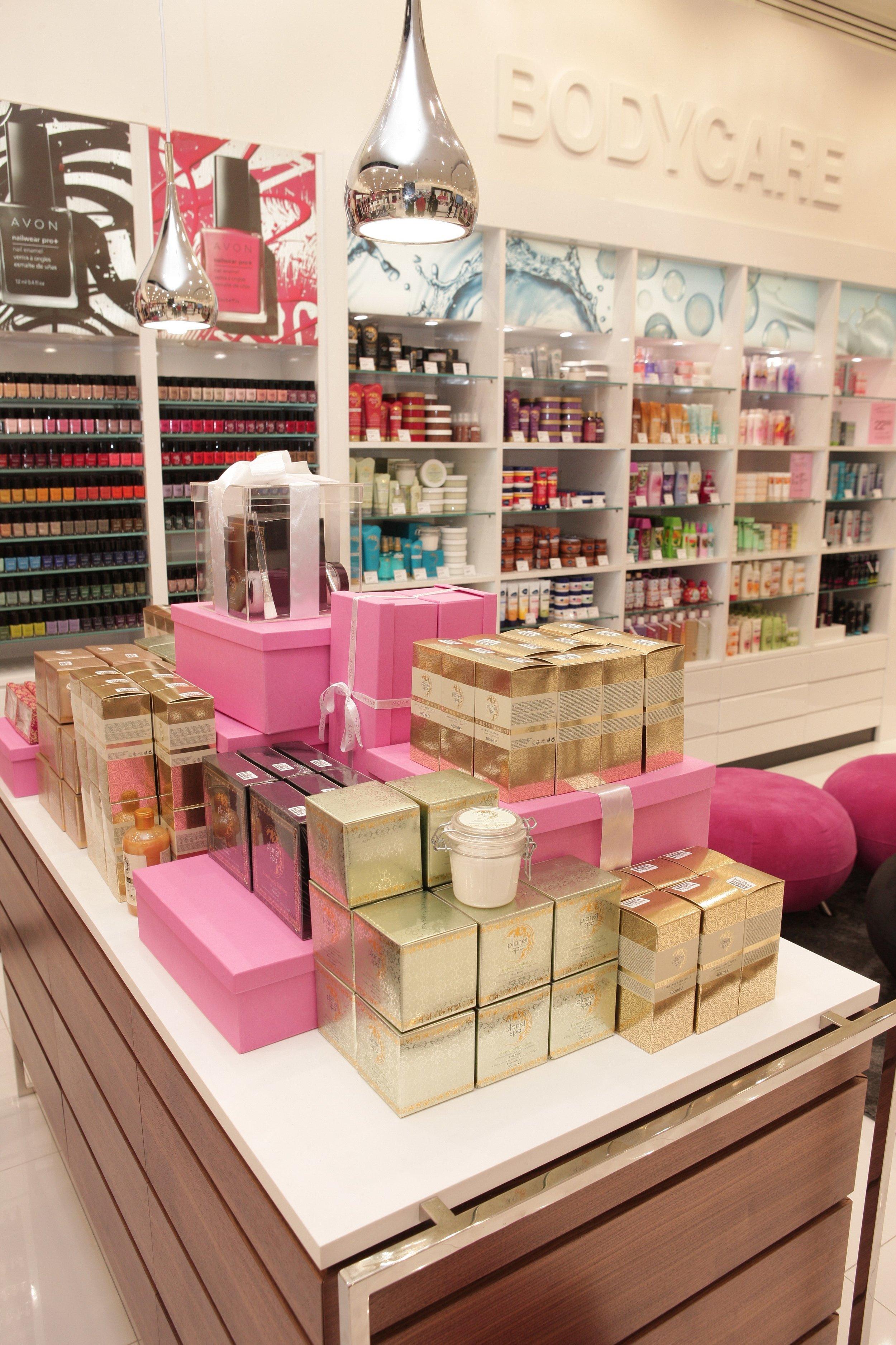 Visual Merchandising Avon