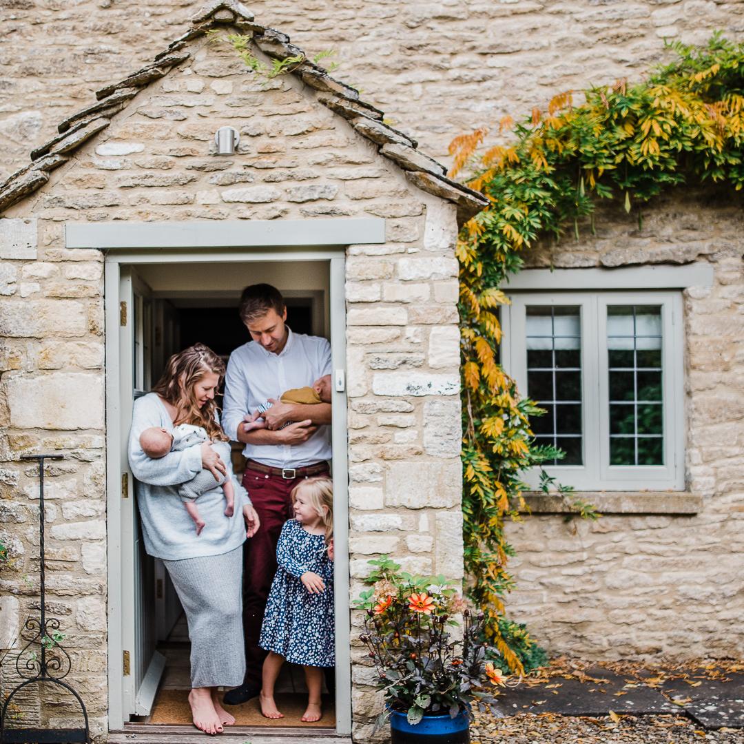 Family photoshoot at home Cheltenham.jpg