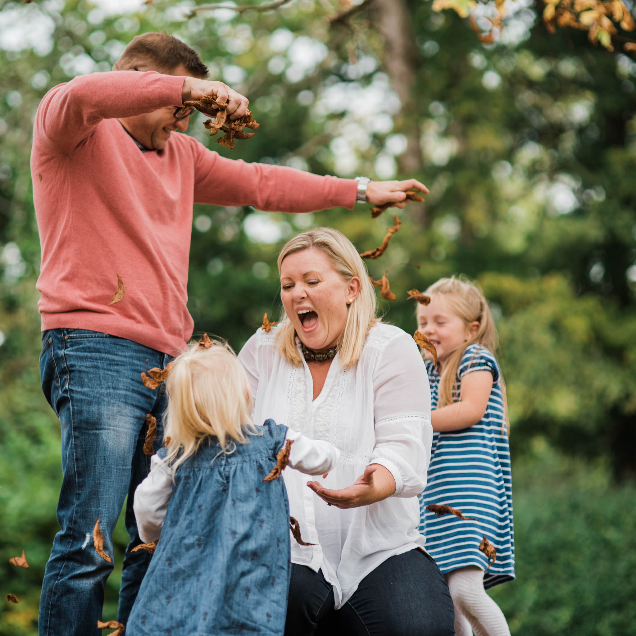 Family throwing leaves- Cotswold Family Photo.jpg