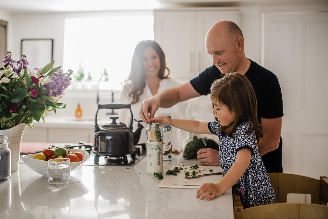 Family making smoothie morning