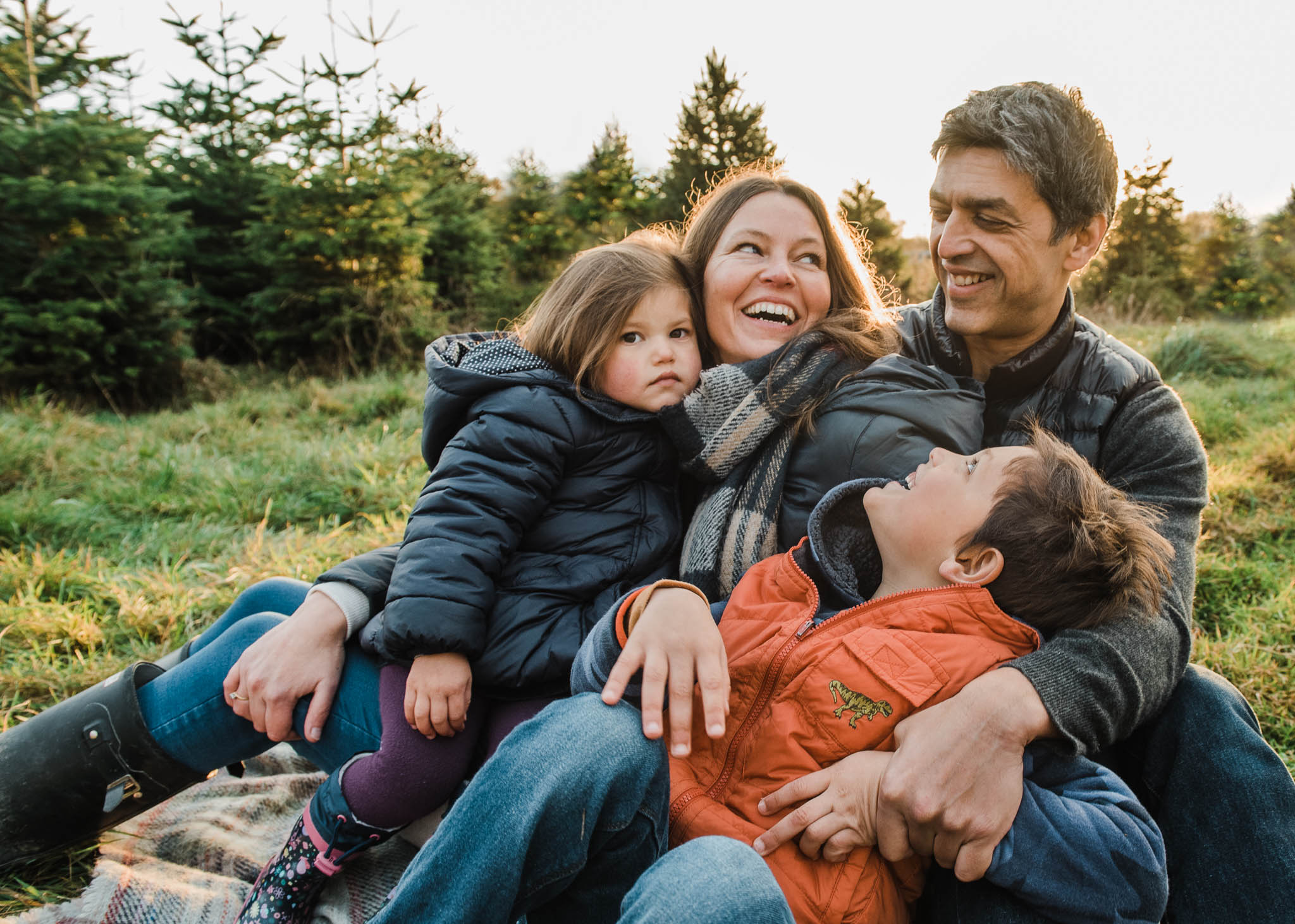 Family photoshoot cotswolds fir.jpg