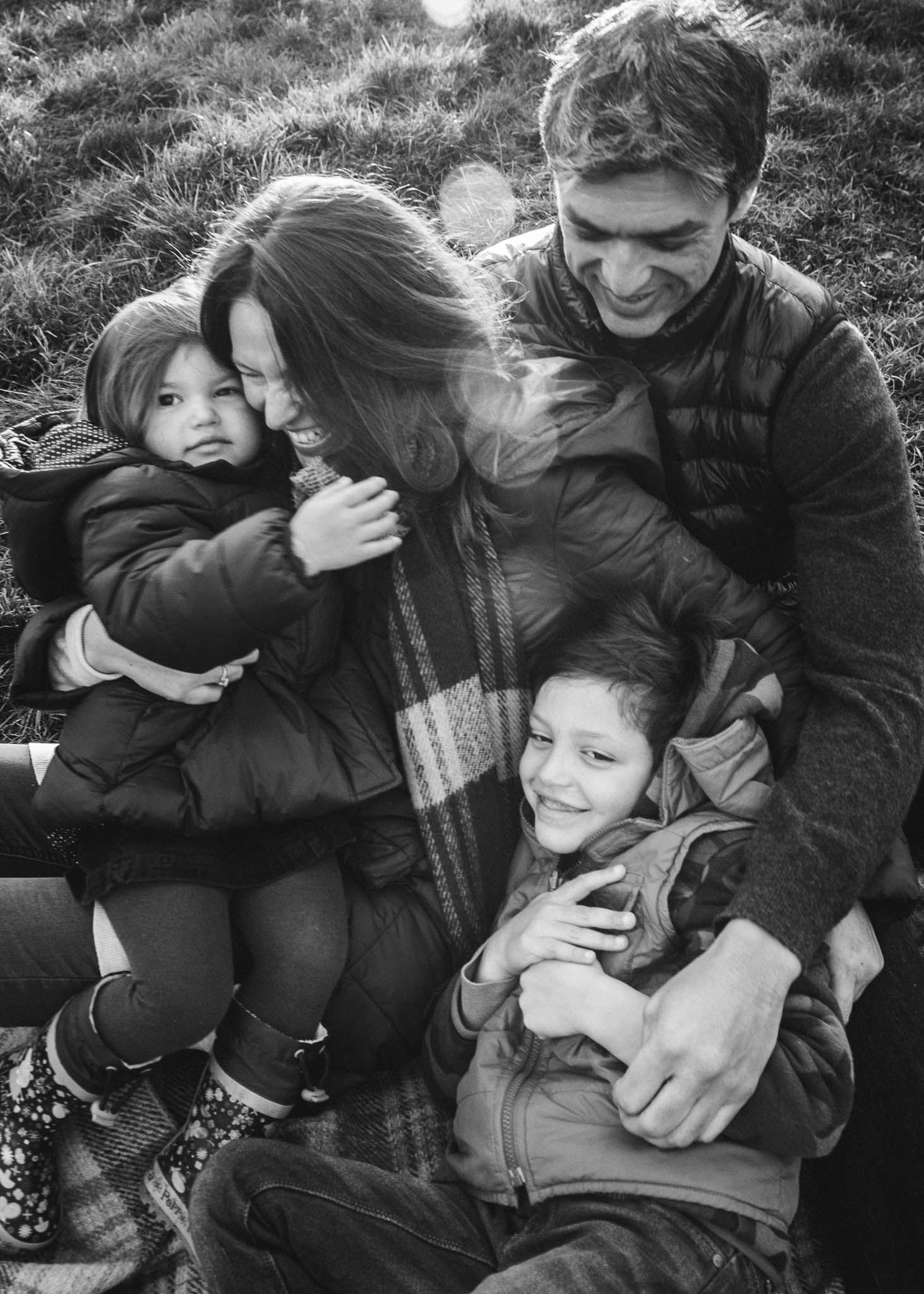 Natural family photoshoot outdoor 2.jpg