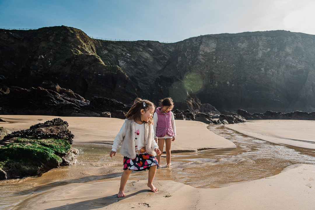 Sisters enjoying the beach -7546.jpg