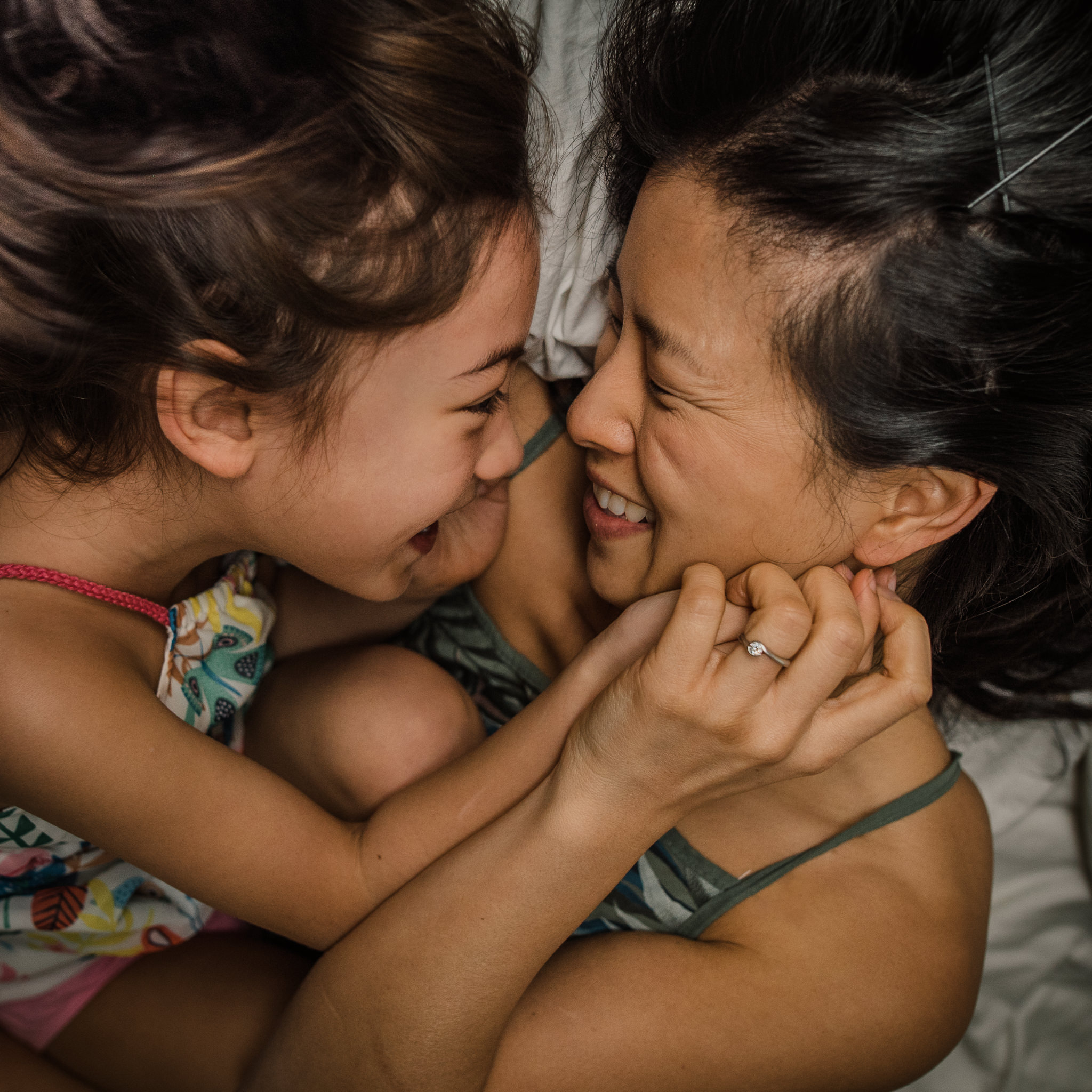 Mother-with-daughter-cuddles-Cheltenham Photographer Chui King Li Photography-2.jpg