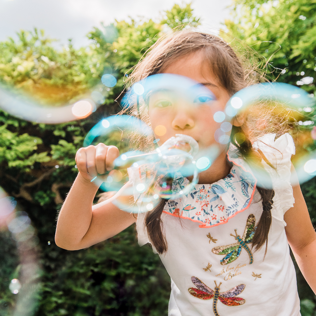 Girls-Bubbles-Chui-Photography-.jpg