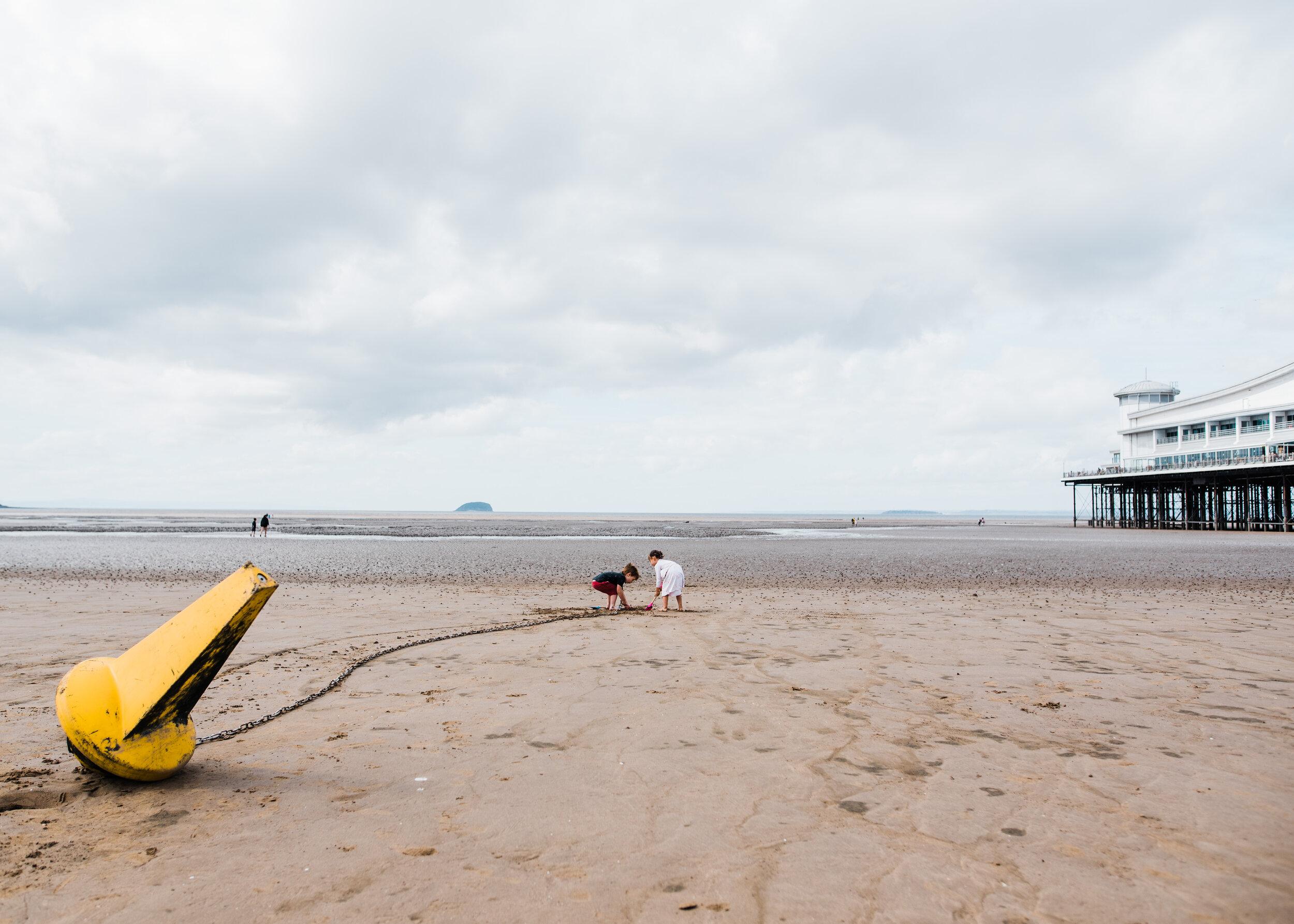 Beach-Digging-8371.jpg