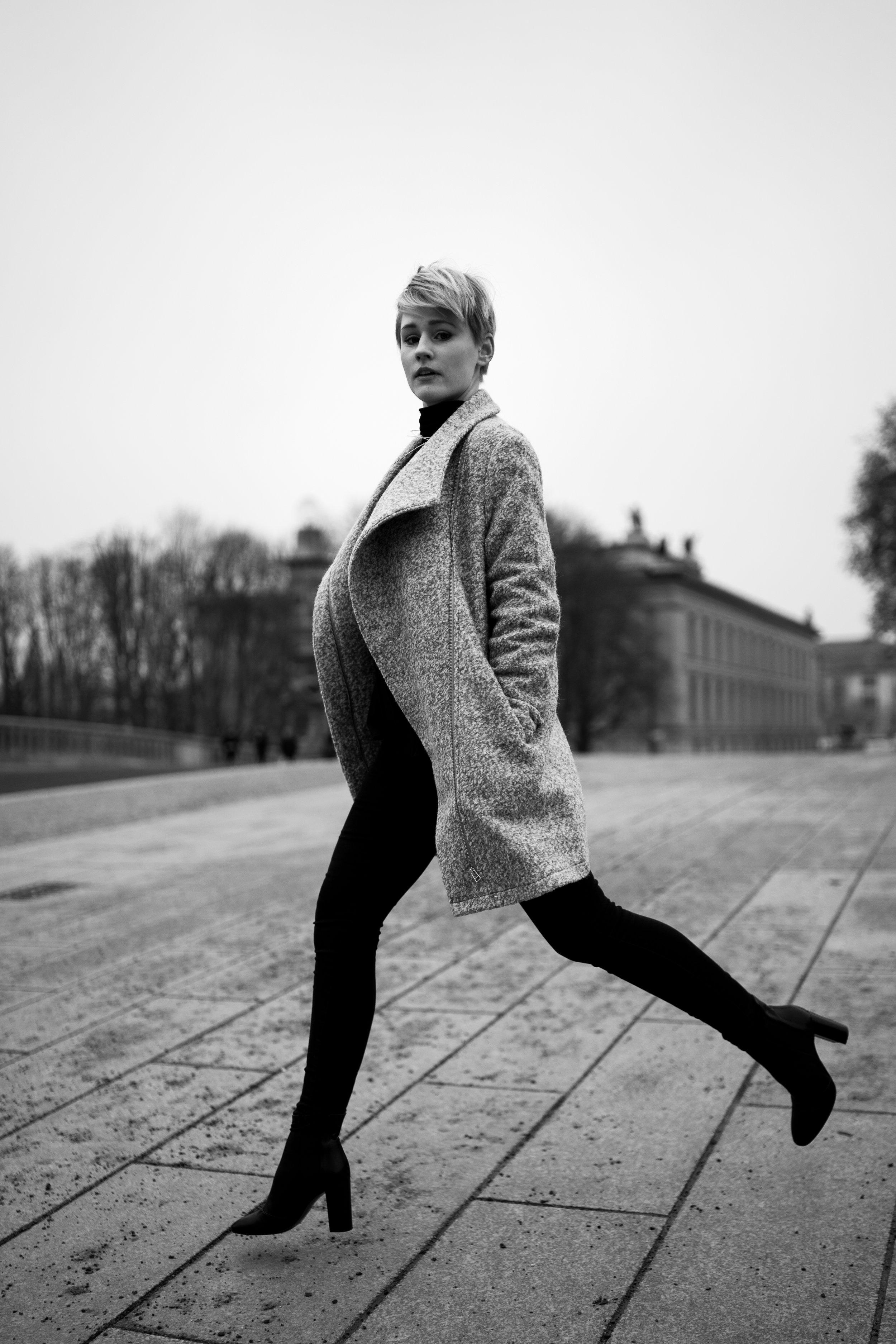 Model: Julia  @joulesgent