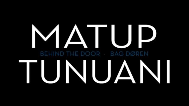 - Matup Tunuani er en meget interessant dokumentar, som følger nogle unge grønlænderes hverdag på gymnasiet og kollegiet i en by langt fra deres familier.Vi mærker hjemveen, angsten for årskarakterer og ønsket om bare at droppe det hele og vende hjem.Dokumentaren kan lånes af KFS-sekræteren i København