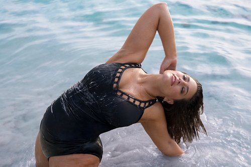 """""""Be Your Own Role Model"""", Like Ashley Graham Is Hers"""