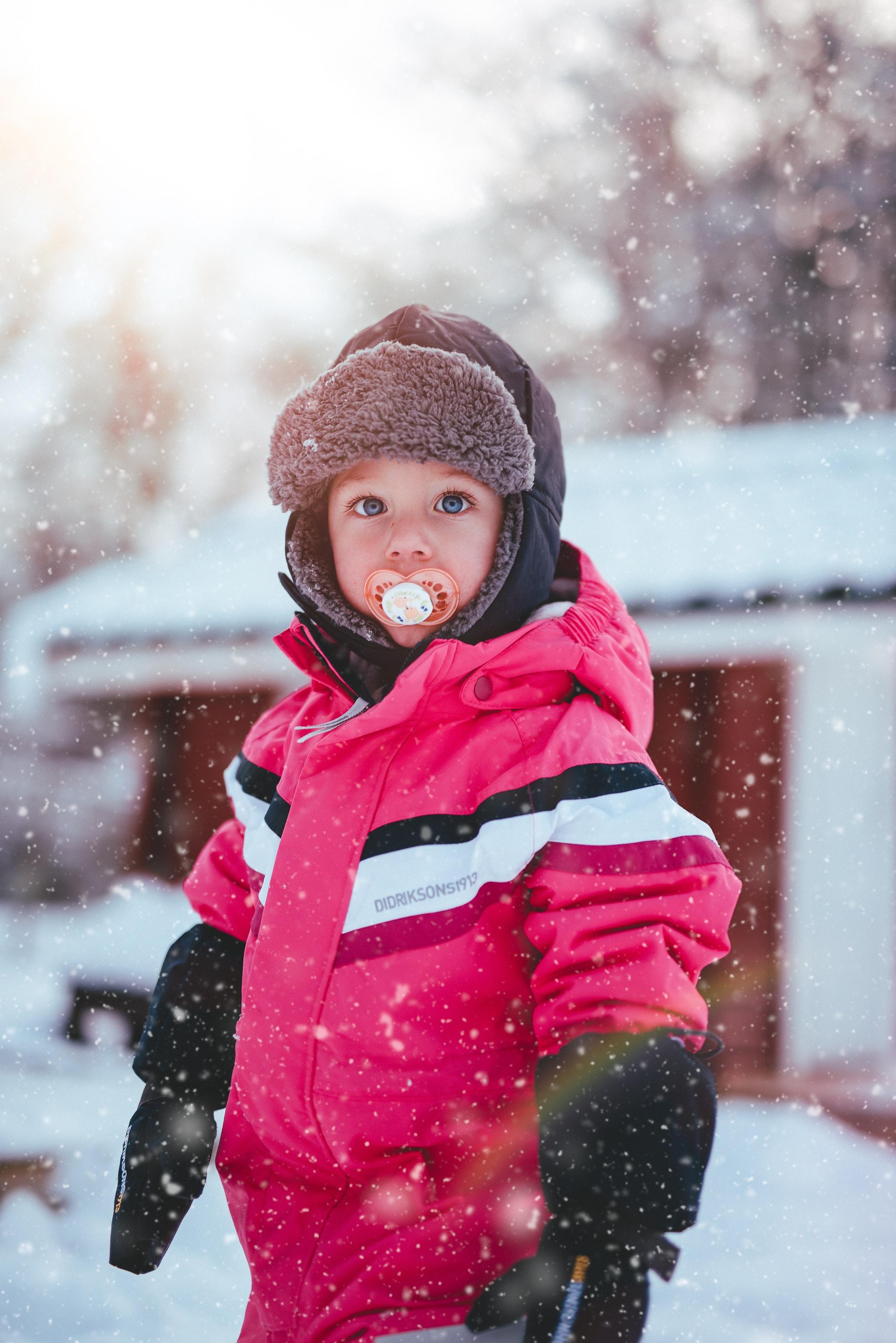 blurred-background-boy-child-744790.jpg