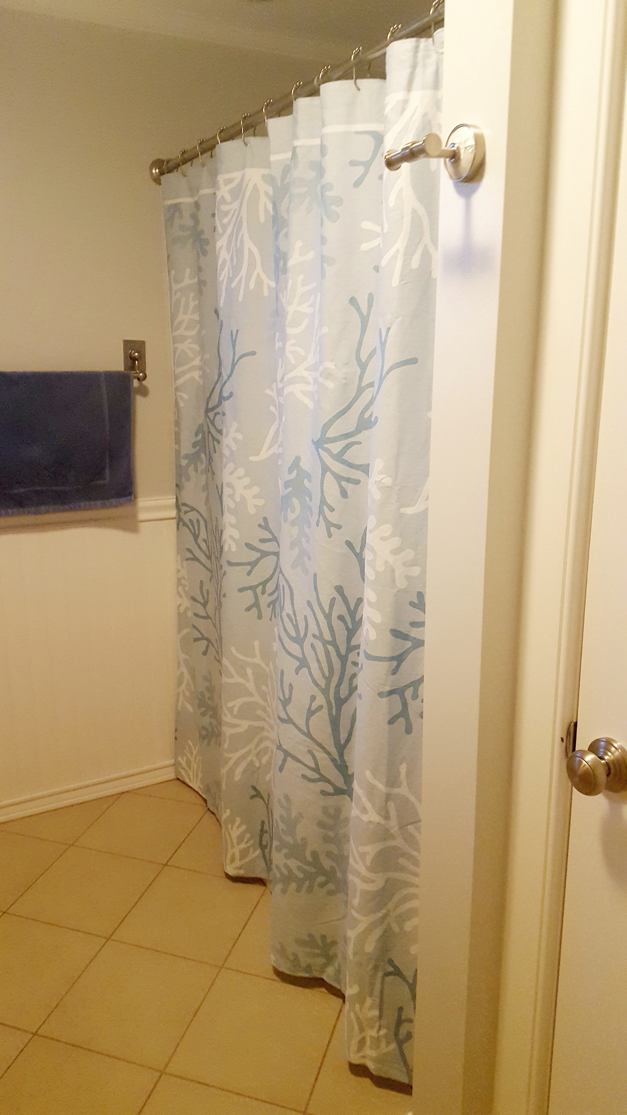 Stanton Cottage in Sand Hill Cove Shower