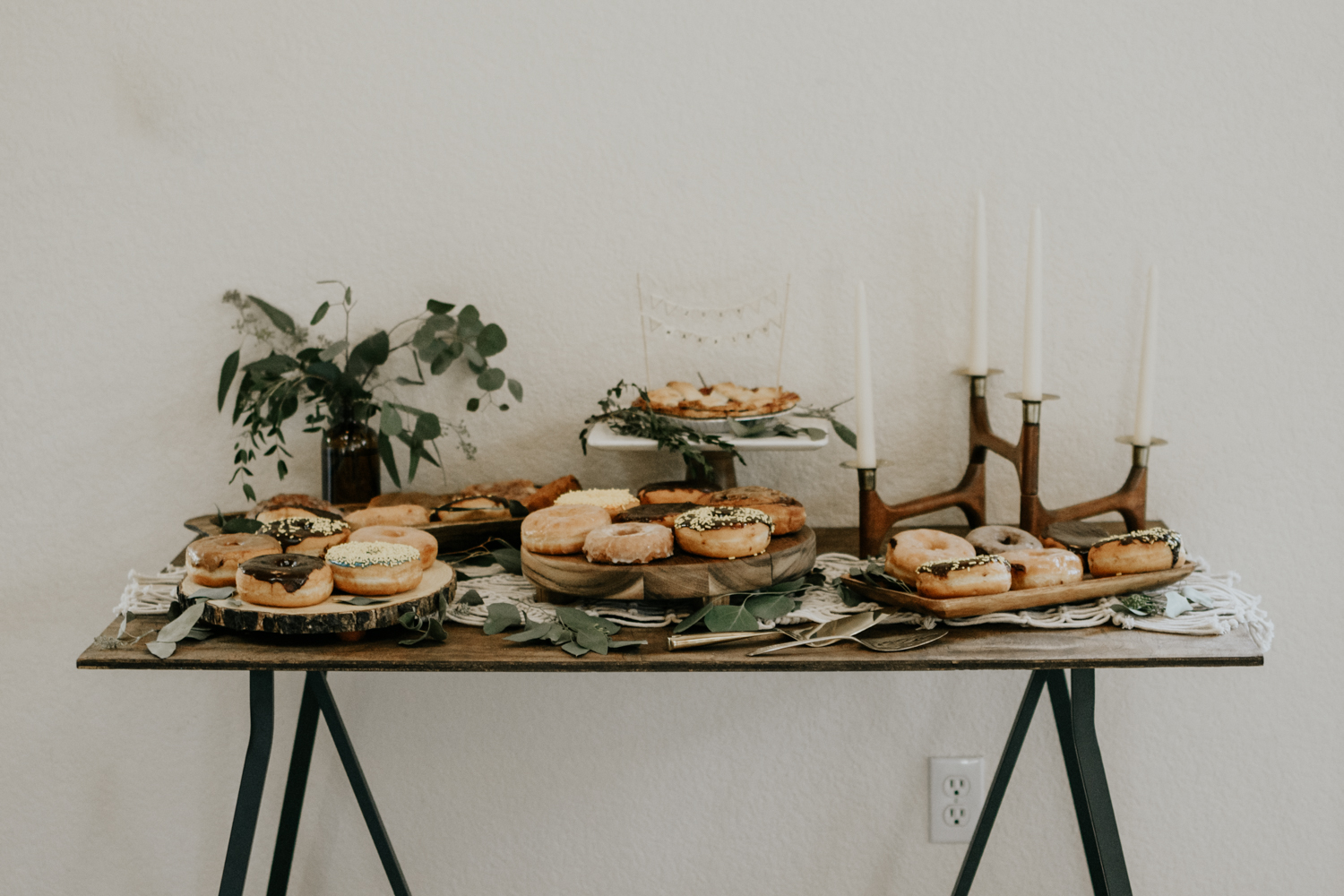 Intimate Mountain Wedding Decor and dessert table Photos, Meadow Creek, Pine Colorado