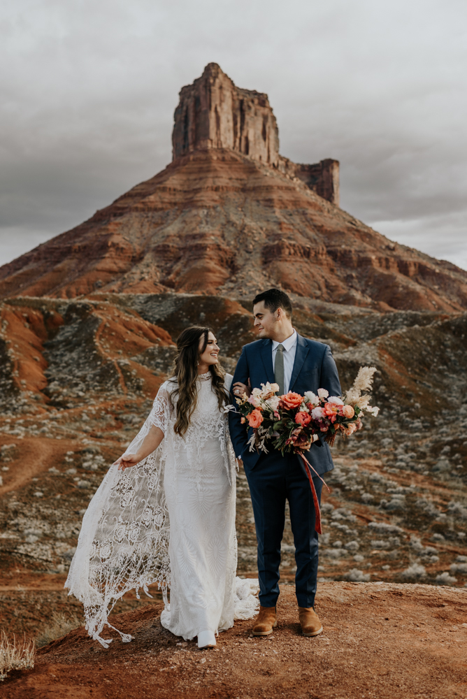 Vow Renewal Photos in Moab