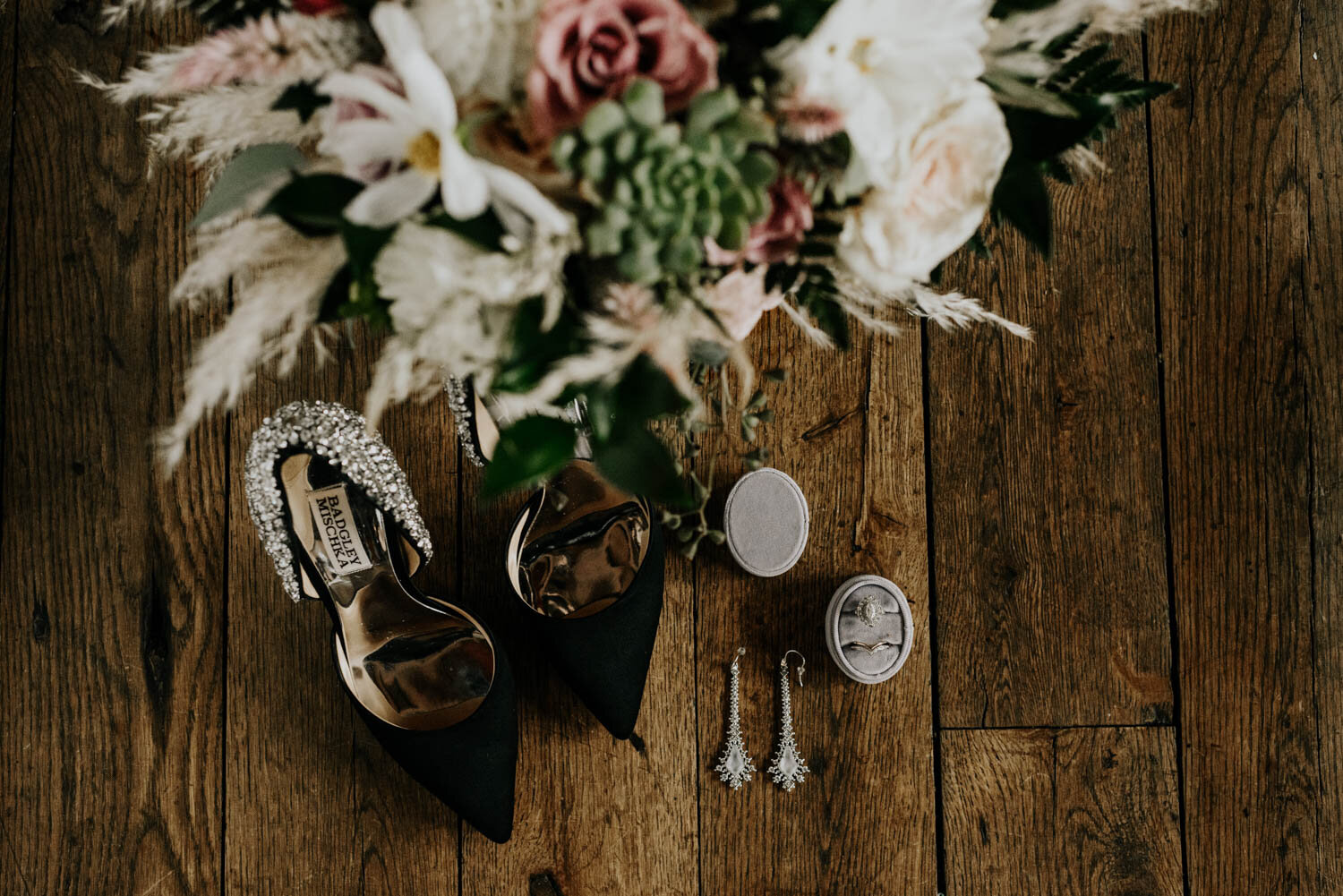 Elopement Wedding Photographer For Adventurous Couples Based In Colorado Travels Often Between California Texas Utah Arizona National Parks And Internationally Nicole Is An Expert Guide For Unconventional Weddings And Adventurous