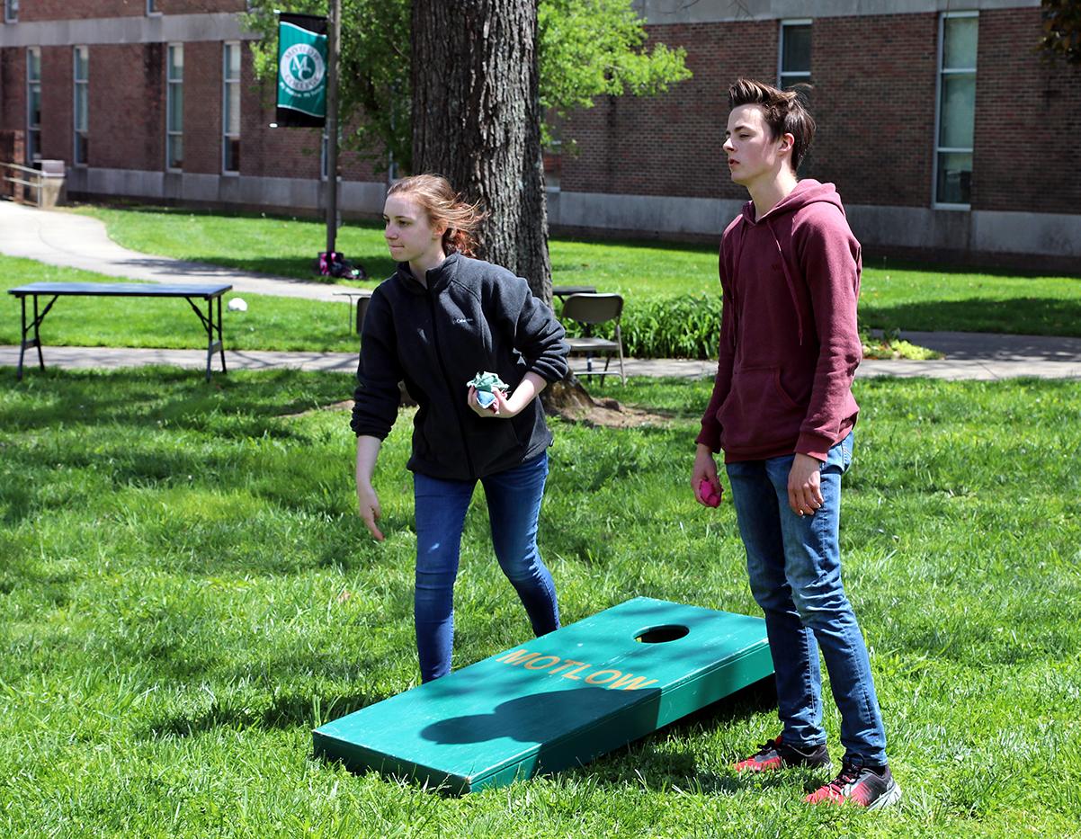 Motlow Students playing corehole