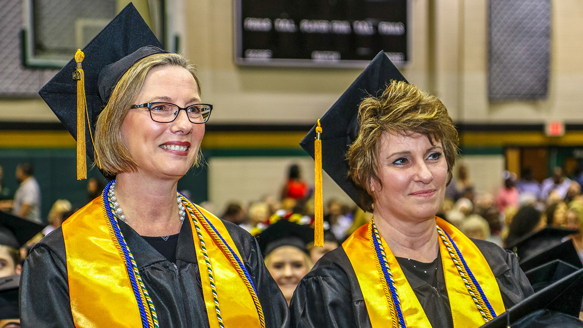 Motlow students Estelle Davis and Michelle Griffith at the spring 2018 commencement