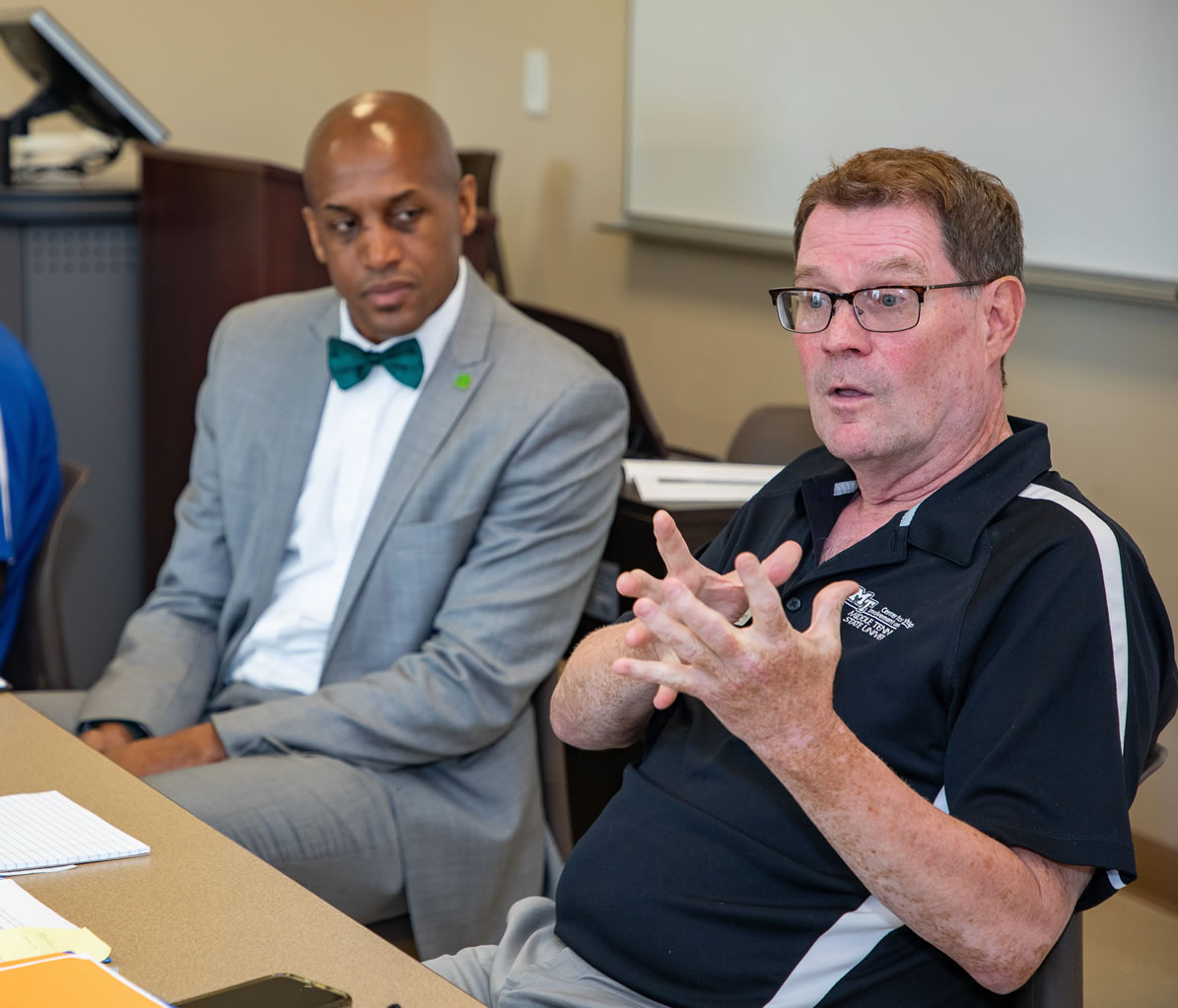 Leaders from Motlow State and Middle Tennessee State University recently joined in a workshop designed to support Motlow graduates who are transferring to MTSU. Leadership at both institutions recognize the value of collaborative work designed to improve equity, inclusion and diversity. Pictured, l-r: Dr. Mika'il Petin, assistant vice president of student success at Motlow, and Dr. Danny Kelley, assistant vice president for student affairs at MTSU. Motlow Staff Photo.