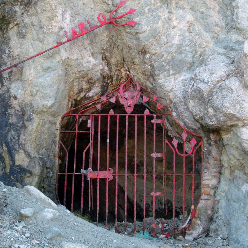 DEvil's Cave - Location: Across the street from Cliff DiversLegend has it that the devil lives in the Cueva del Diablo. For more history click here.
