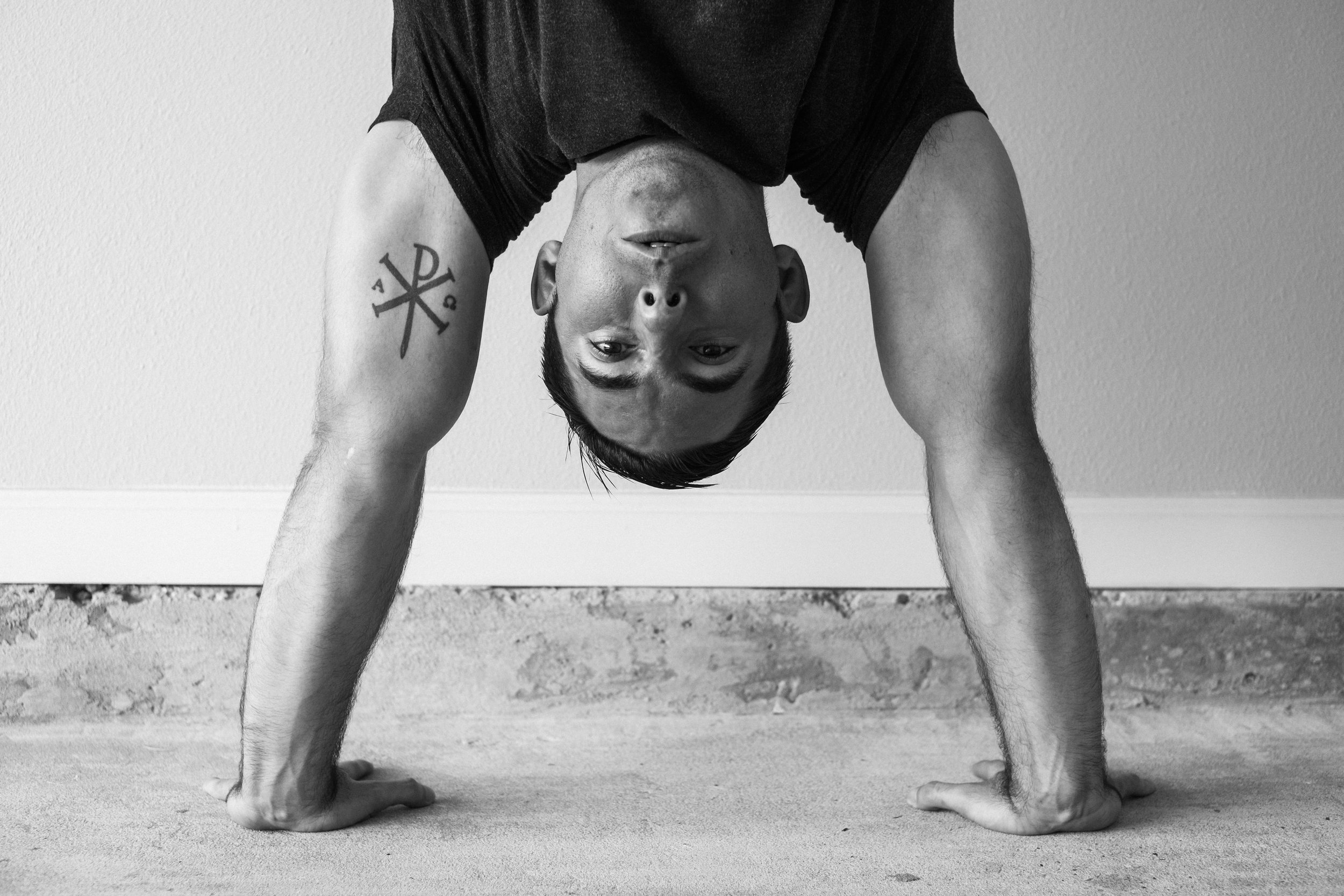 5 days a week to get stronger with just your bodyweight - No handstands needed ….yet