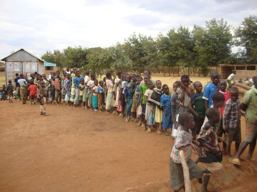 Line waiting for the meal at Ministry of Hope
