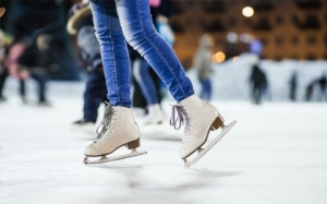 Ice skating in the park is one of our favorite holiday funday activities.