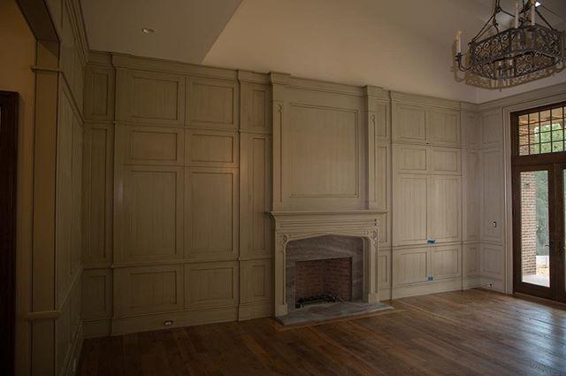 Finished up this amazing room. Pt. 2 #woodworking #interiordesign #design #imac #edges #paint #glaze #layers #color #wood #cabinetry #love #construction #beautiful #base #thecraftsmangroupofalabama #alabama #northalabama #thecraftsmangroup