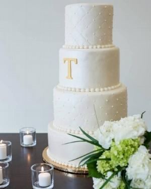 Thompson wedding cake.jpg