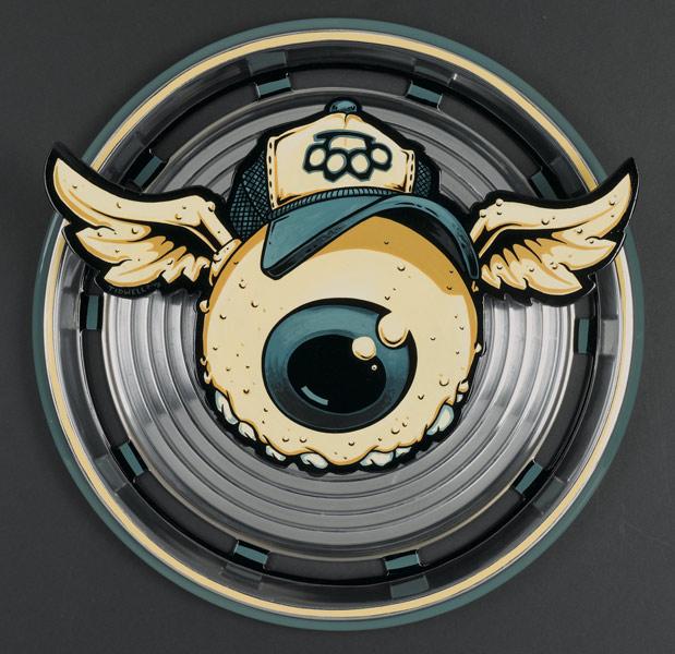 1205567168_tidwell_eyeball_hubcap.jpg