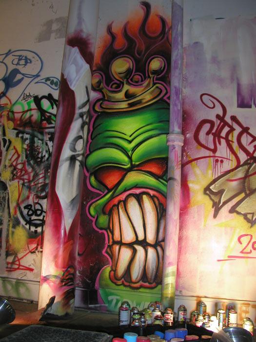 1161102548_graffiti_skull.jpg
