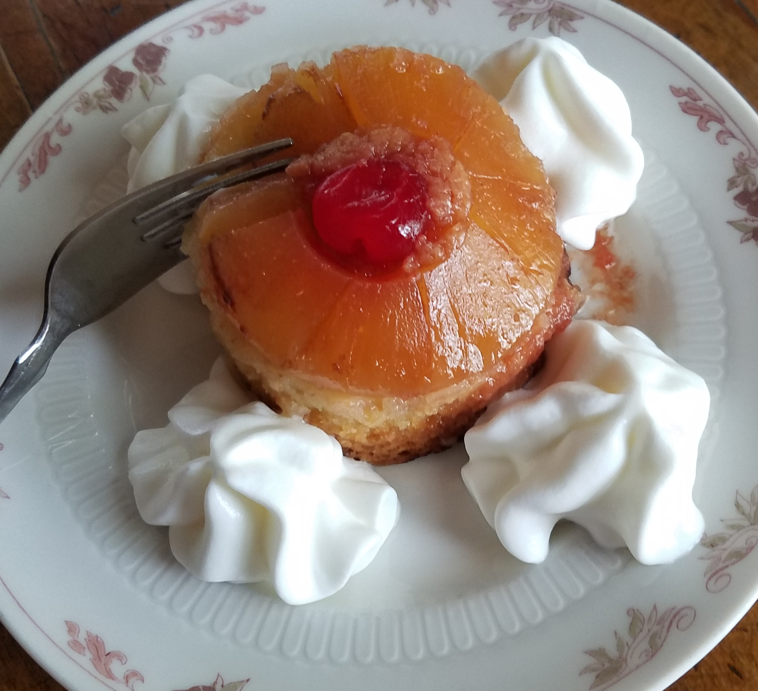 Pineapple upside down with fork in itl.jpg