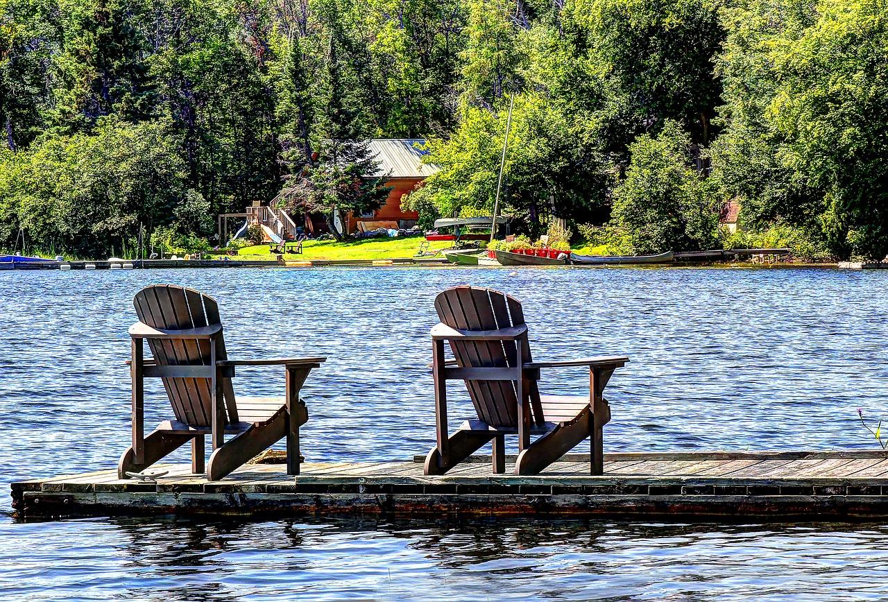 lake-2214457_1280.jpg