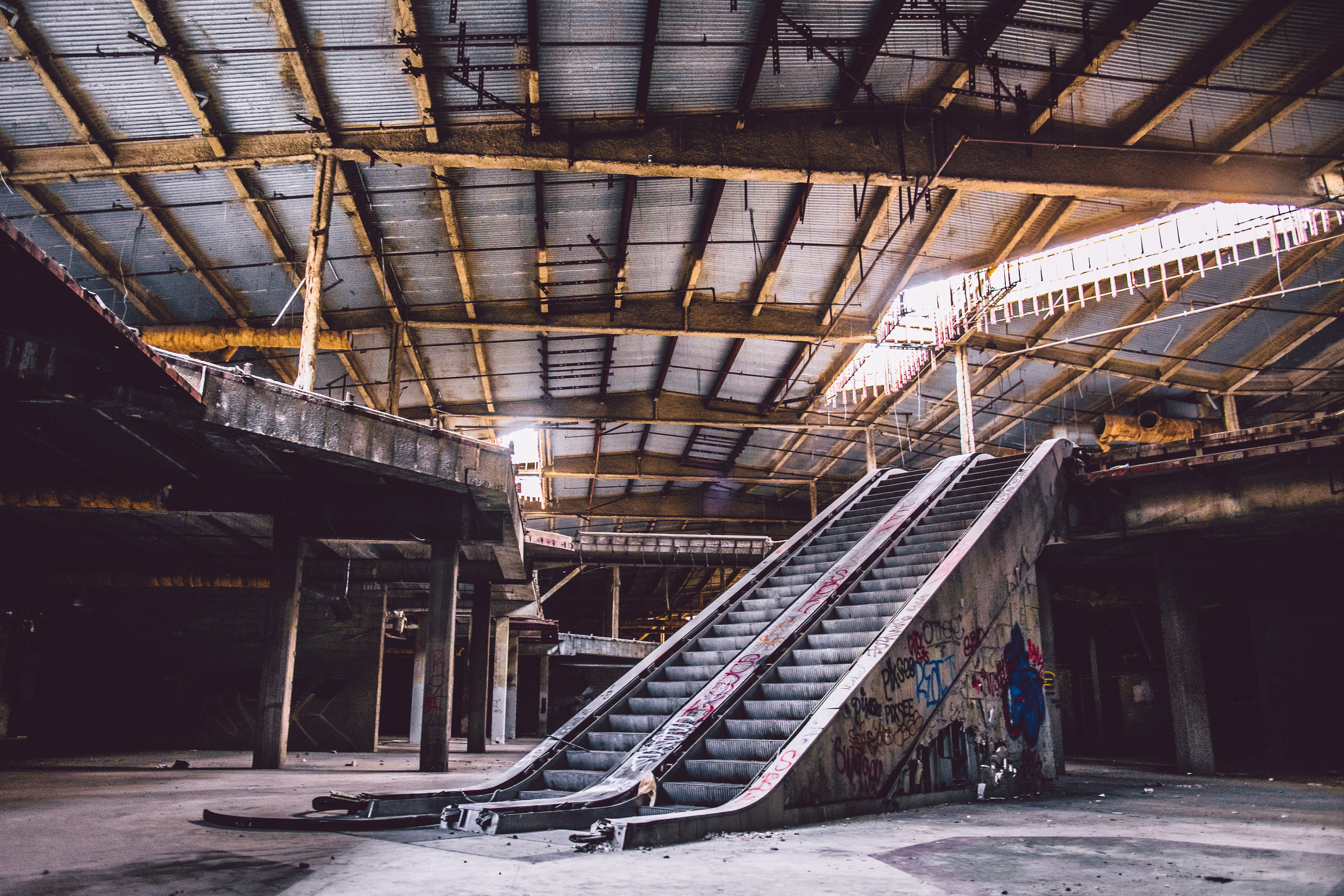2015-05-30-Abandoned Mall.jpg