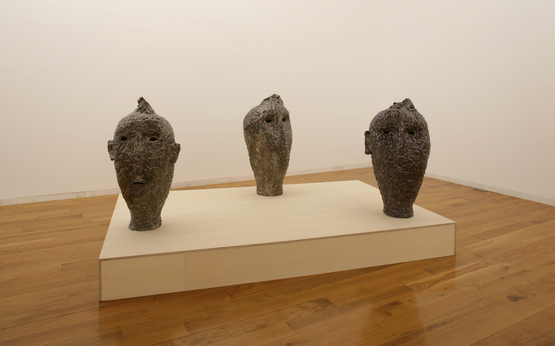 Tres cabezas, 04
