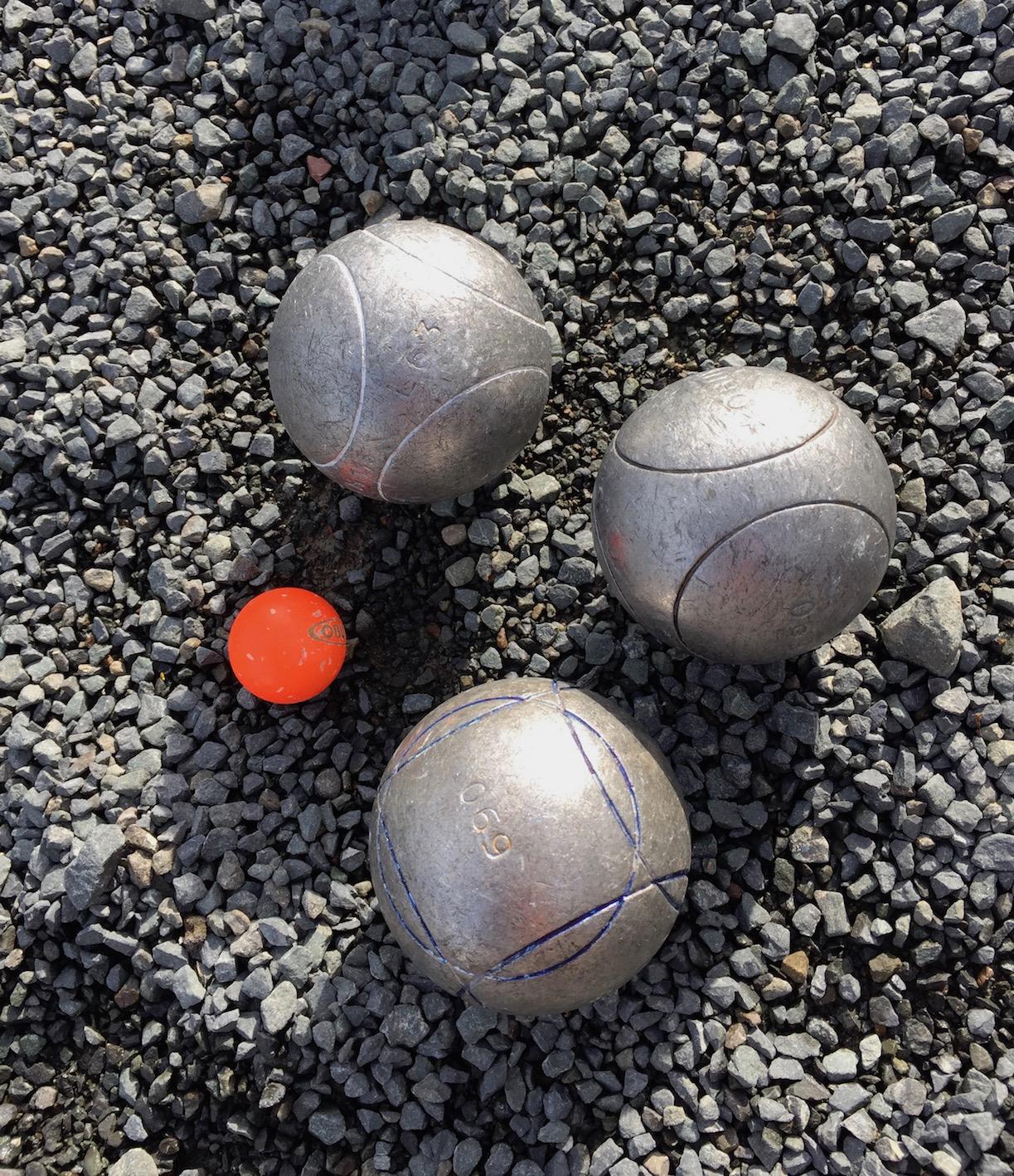 3 boules.jpg