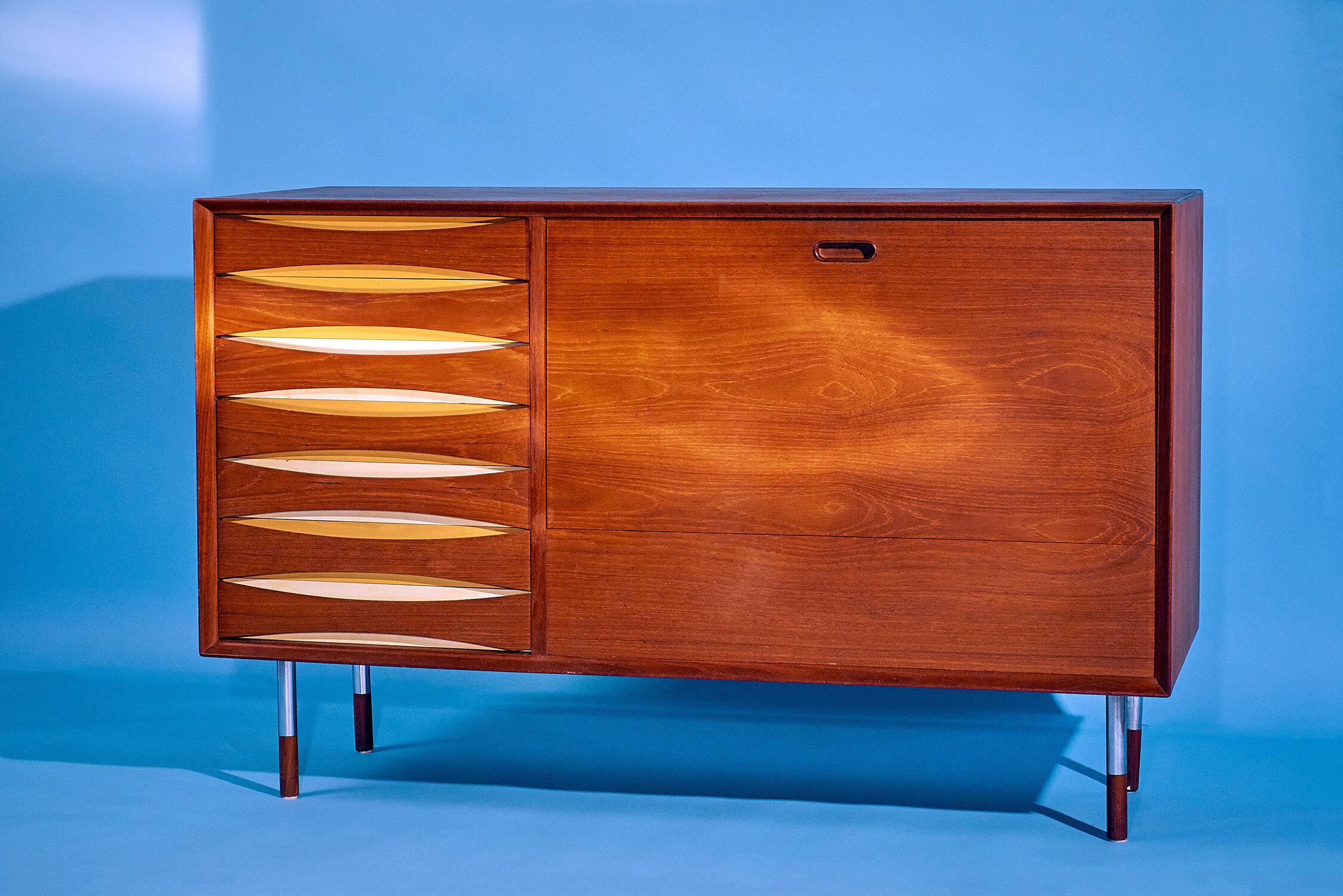 Arne Vodder Sideboard The Space Detroit 1.jpg