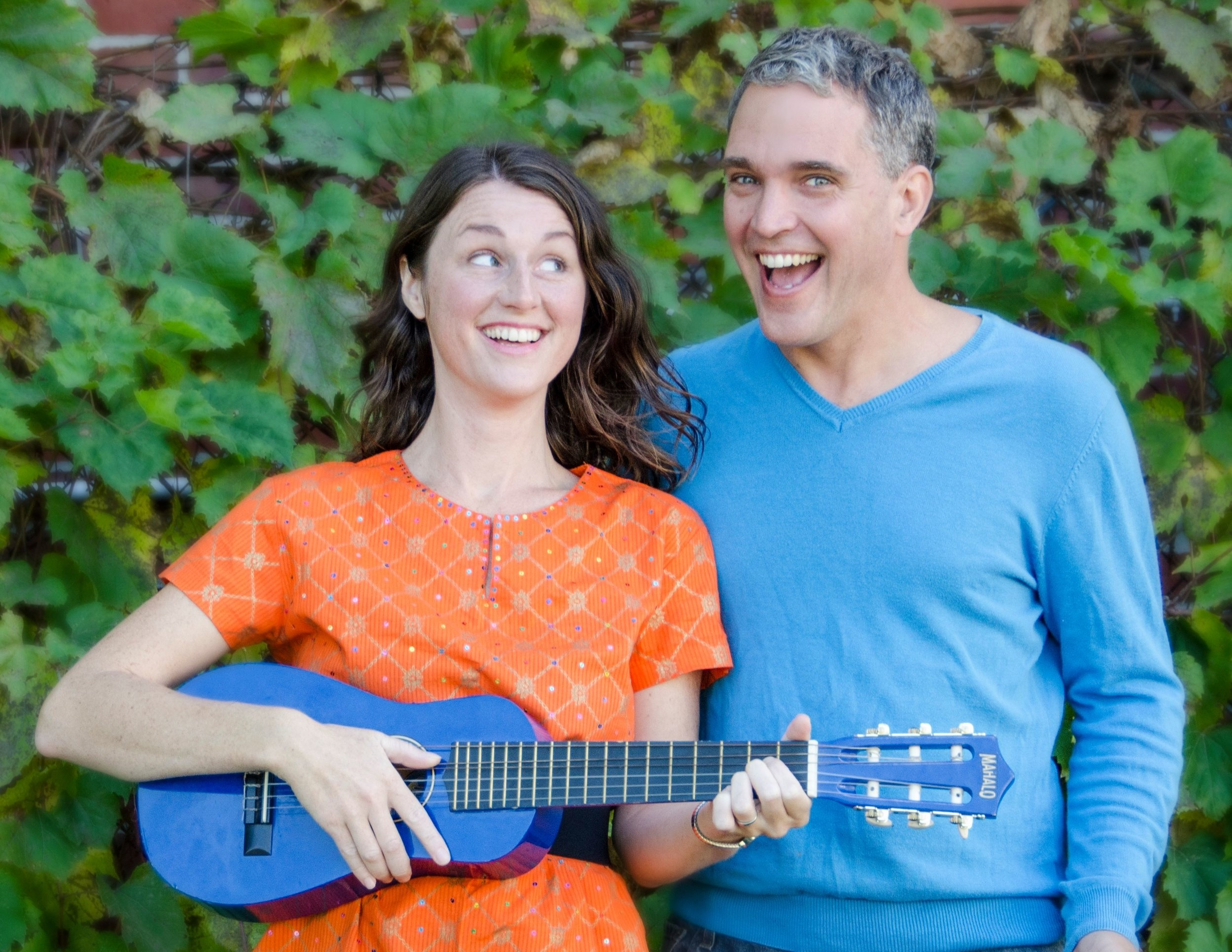 Hallowe'en howl with soli&rob - Now closed. Thank you for coming!A singalong show with puppets and happy hosts, all on a Hallowe'en theme!Learn more about Soli & Rob HERE.All ages