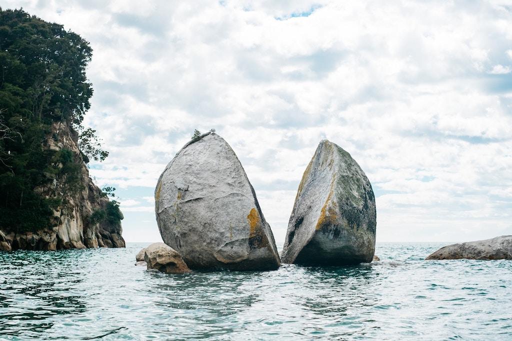 Giant rock split in 2 - strategies for decomposing stories