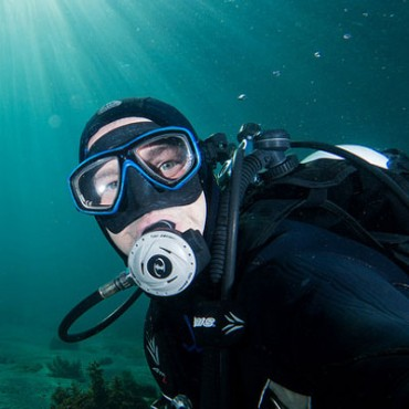 featured-diver-profile-john-turnbull-370x370.jpg