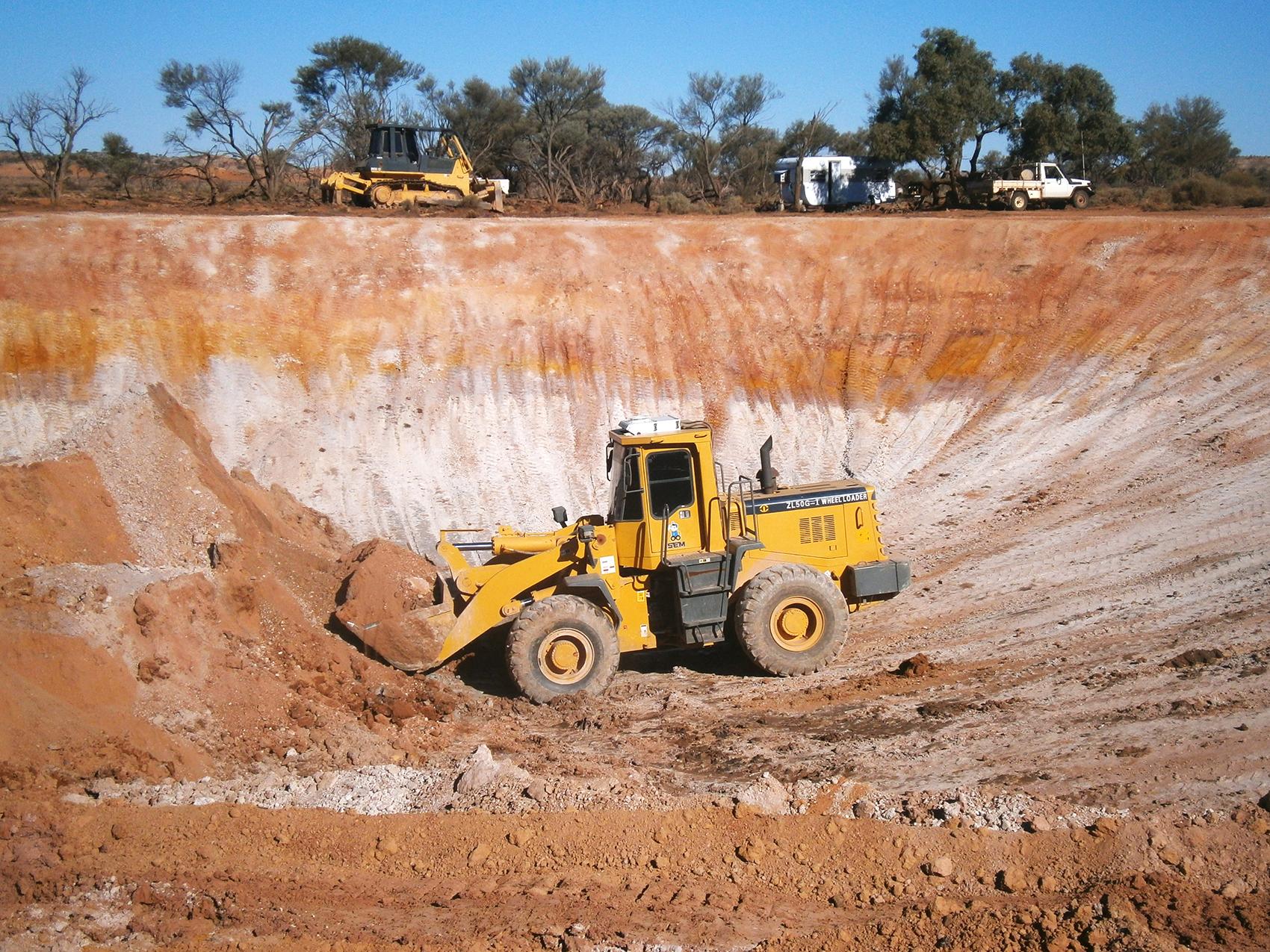 williams-cattle-company-arckaringa-station-south-australia-cattle-station-sa-plant-and-equipment-dam-sinking-at-arckaringa.jpg