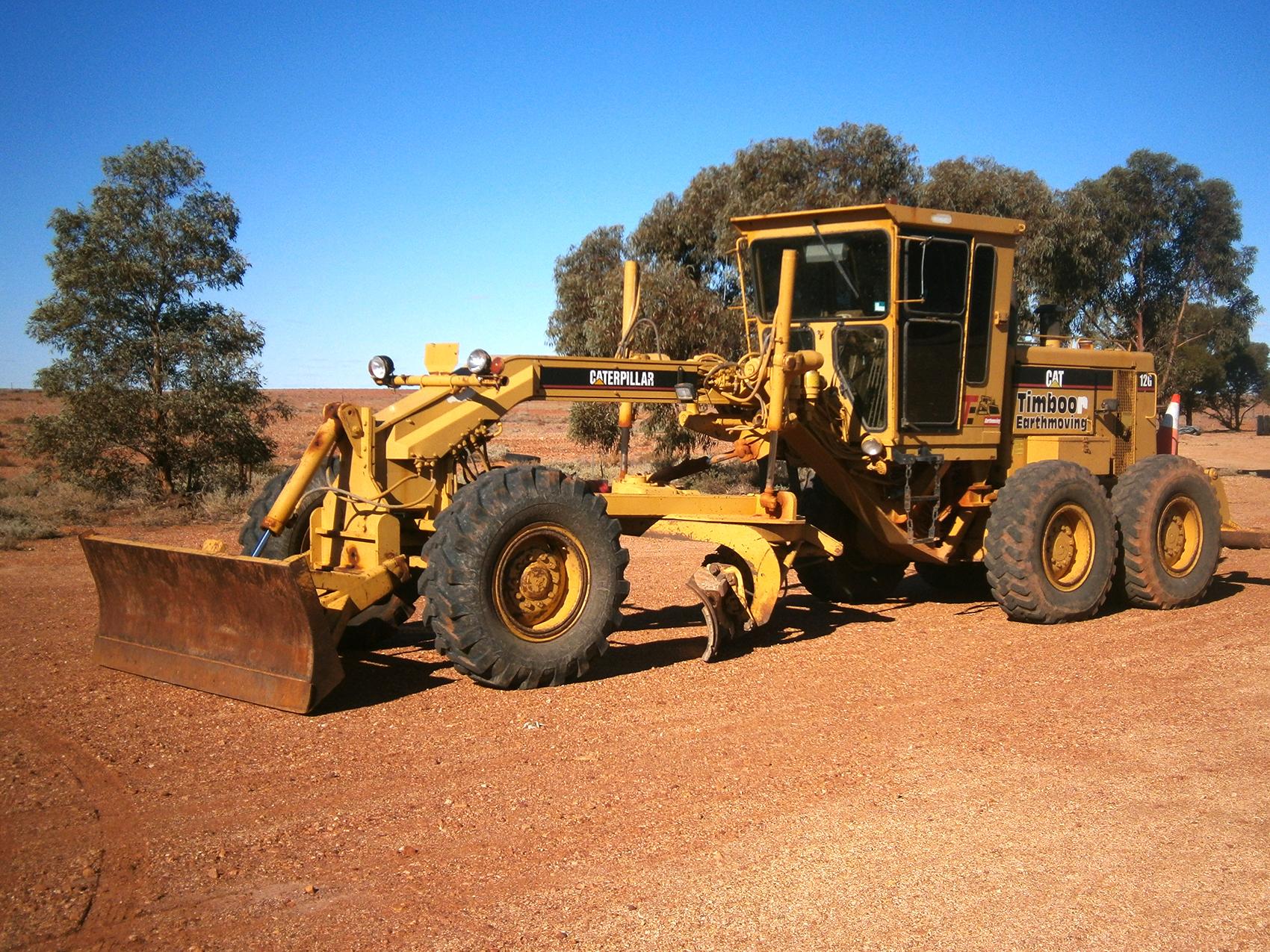 williams-cattle-company-mount-barry-station-south-australia-australia-cattle-station-sa-plant-and-equipment-12-g-cat-grader.jpg