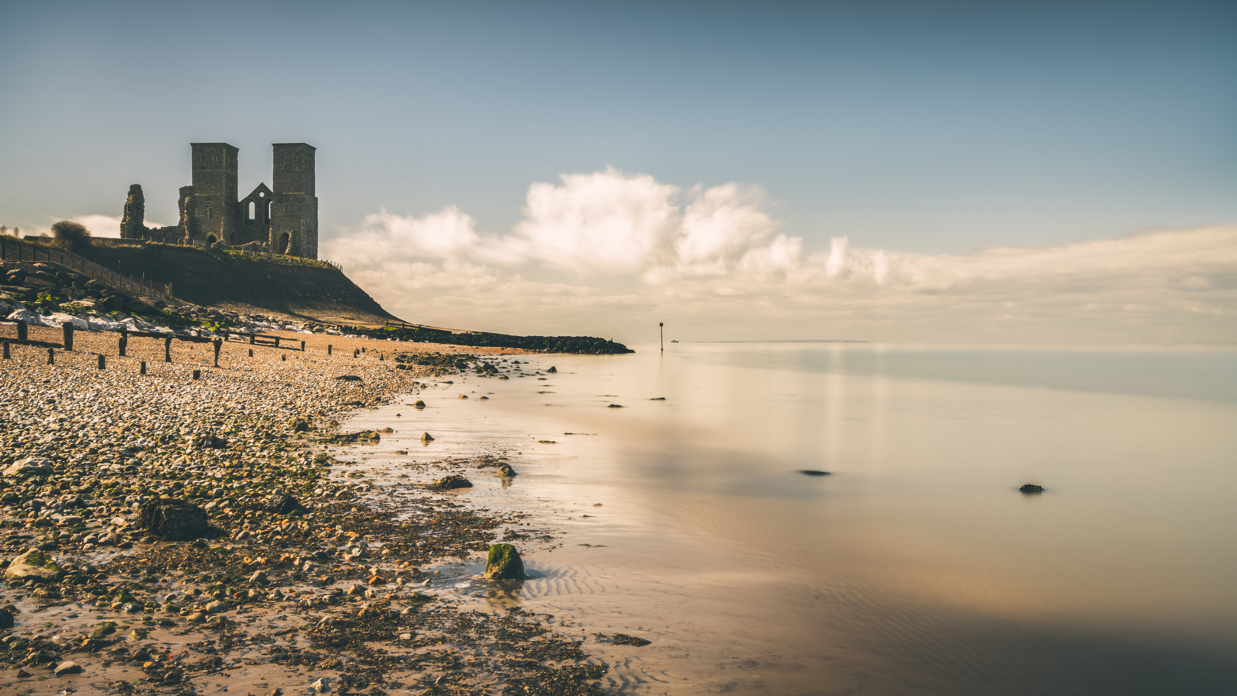 This place is wonderful, easy to get to and great for photography. This would make a stunning sunset location. I like the tones in the sea for this one.  Shot with Zeis 16-35 f4 at 33mm, f22, iso 100, 206 secconds