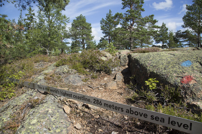 The mark of the sea level 9.600 years ago, on the top of Skuleberget