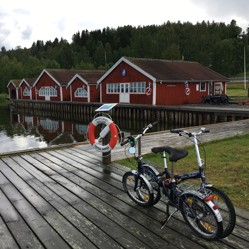 sailors-use-folding-bike-to-explore-the-high-coast.jpg
