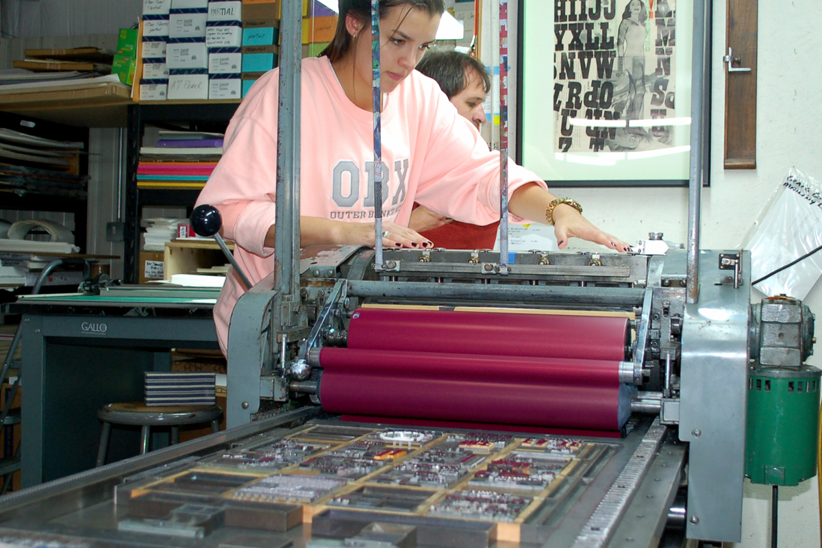 A bit of bright color and a lot of concentration make for a satisfying broadside.