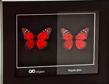 artglass AR70 ™  or AR99™  versus  regular glass   credit picture: bespokeframing.com